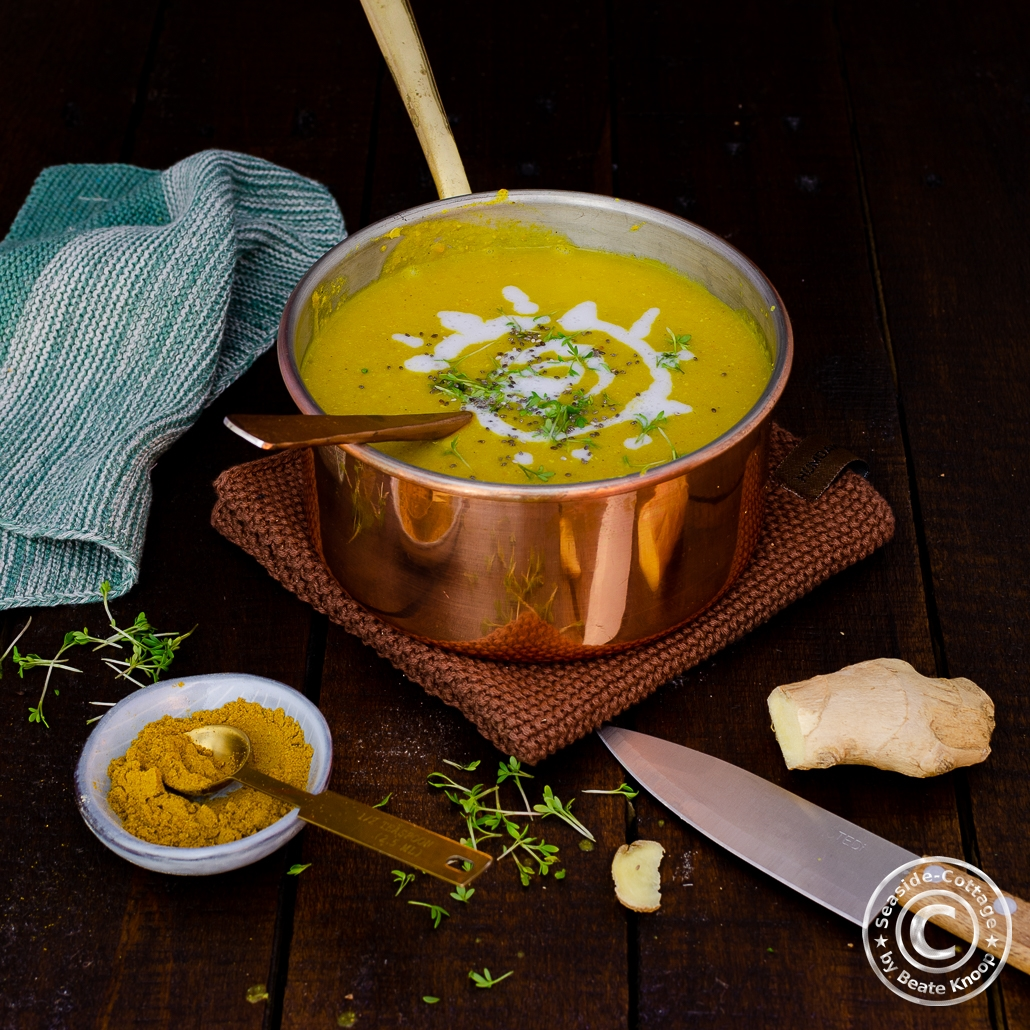 Rezept für eine leckere Suppe aus Kichererbsen mit Curry und Kokosmilch