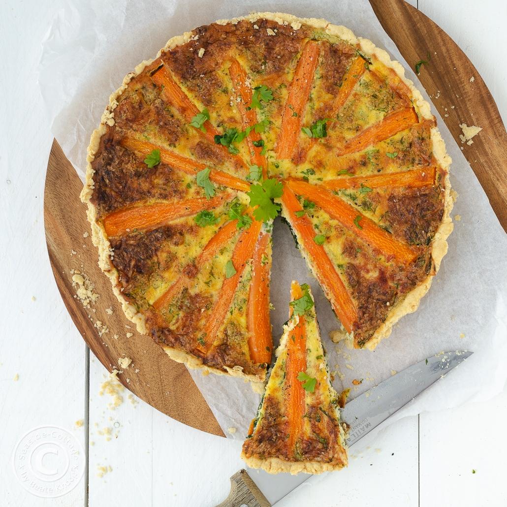 Rezept für eine leckere Quiche mit Möhren und Spinat