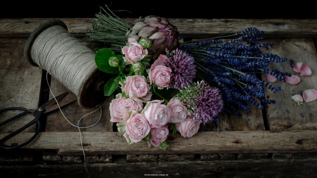 Kostenloser Bildschirmhintergrund 1920x1080 rustikales Stilleben mit Sommerblumen