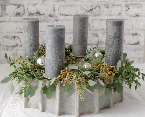 Anleitung nordischer Adventskranz mit Filz und Eukalyptus grau