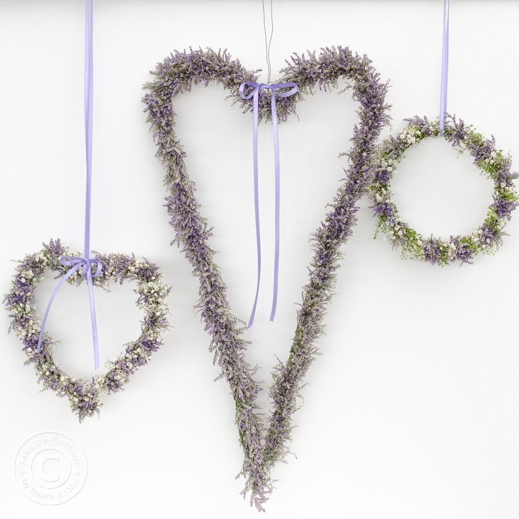 Herzen aus zarten Blüten