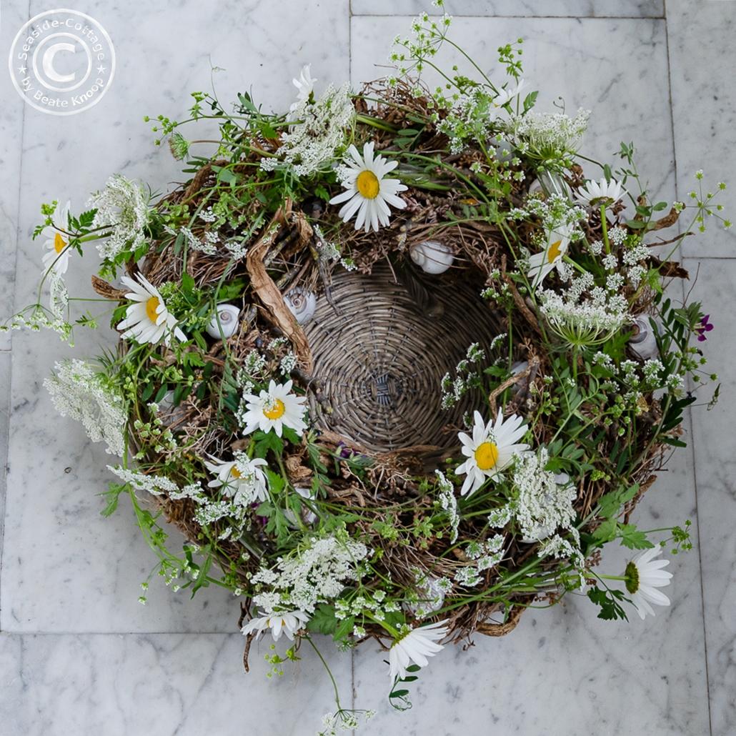 Aufsicht Sommerkranz mit Wiesenblumen, Anleitung zum Selbermachen
