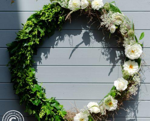 Anleitung für einen Hulahoop-Sommerkranz