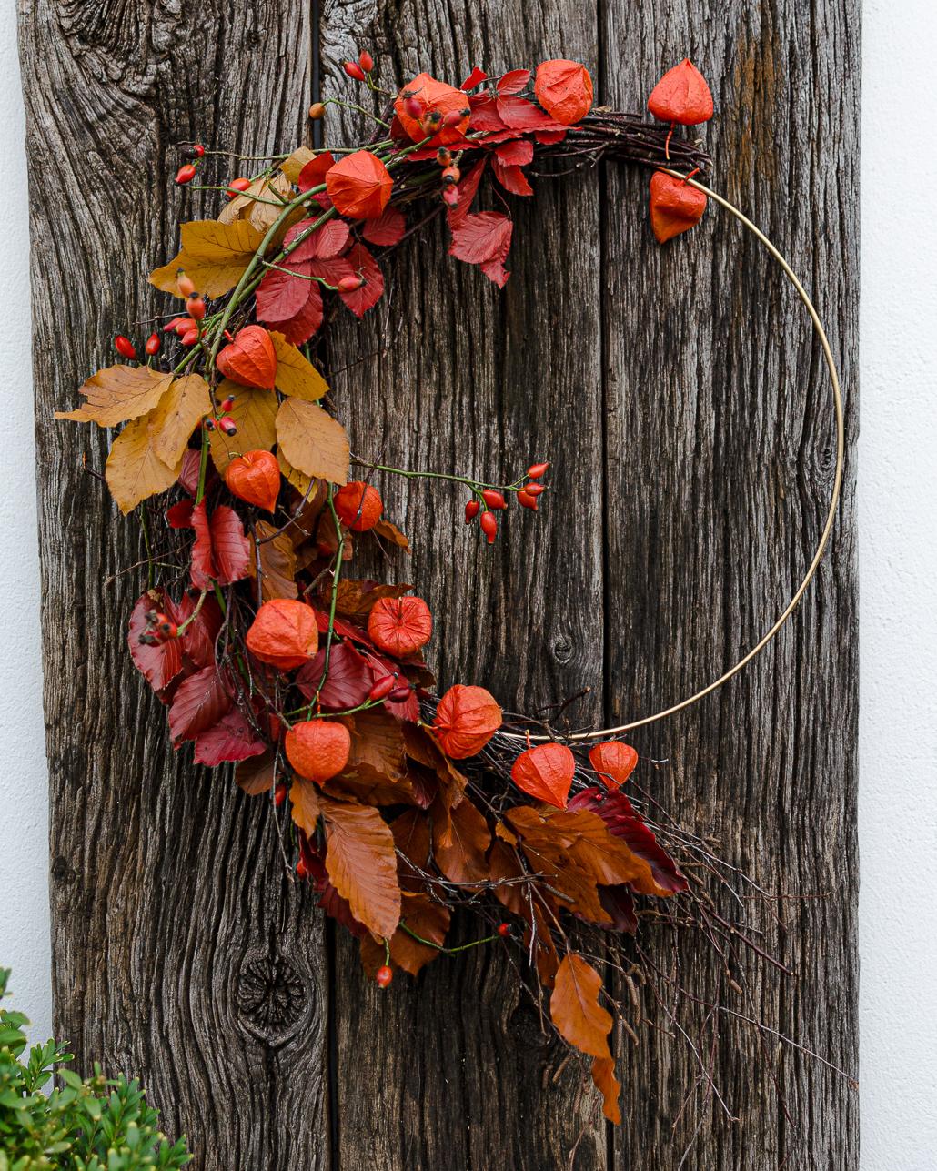 Herbstdeko in leuchtenden Farben mit Kranz & Kürbis   Seaside Cottage