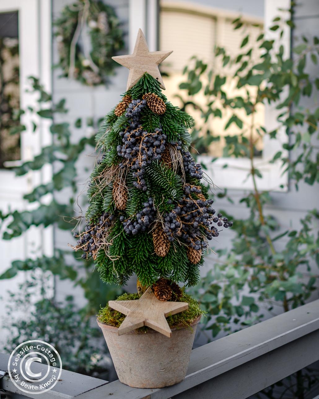 NAturdeko mit selbstgestecktem Tannenbaum